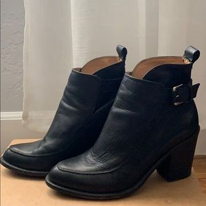 Black Pointed Toe Leather Ankle Boots, Size 7